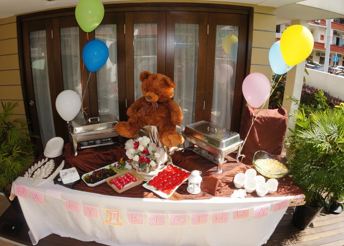 http://eatzcatering.com/images/gallery/baby/BabyFullMonth7(S).JPG